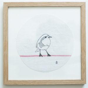 Rouge-gorge blanc neige - 13cm x 18cm avec encadrement en chêne- 90€